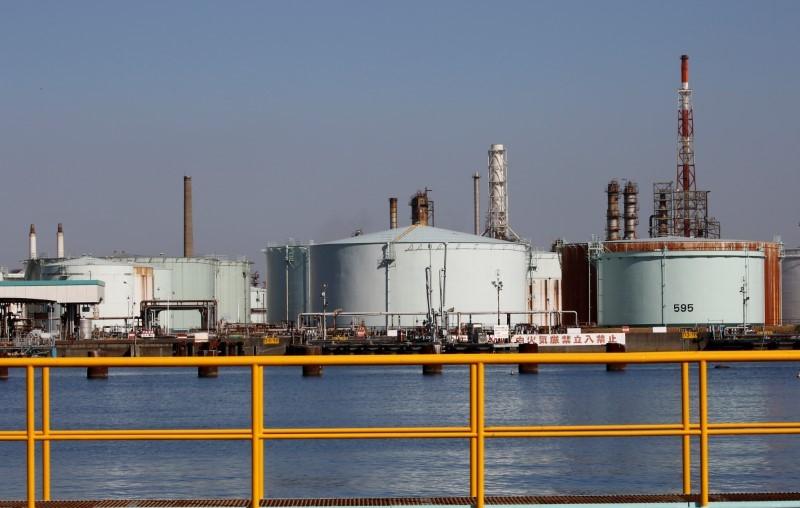 AvaTrade时事快讯:美油隔夜大跌7%后小幅反弹,全球日需求或下降2000万桶