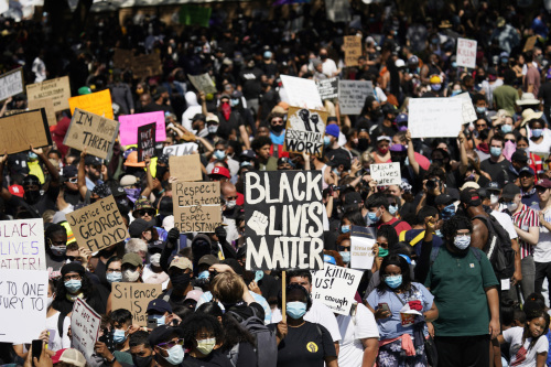 AvaTrade爱华外汇:美国因抗议潮40个城市实施宵禁,投资者的情绪却没受波及