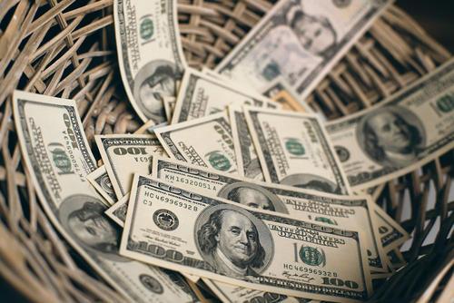 AvaTrade时事快讯:美元因华盛顿救援会谈上涨,黄金涨势不减