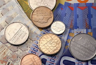 Avatrade爱华外汇:美国二季度GDP低于市场预期,现货黄金创两月来最大涨幅